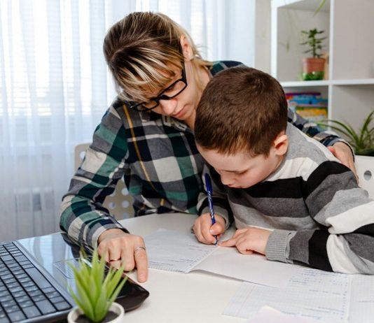 Homeschooling stellt viele Eltern vor eine Herausforderung. Unser Experte gibt Tipps, wie es besser klappt.