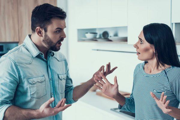 Wenn mein Mann mal zu Hause ist – streiten wir uns heftig.