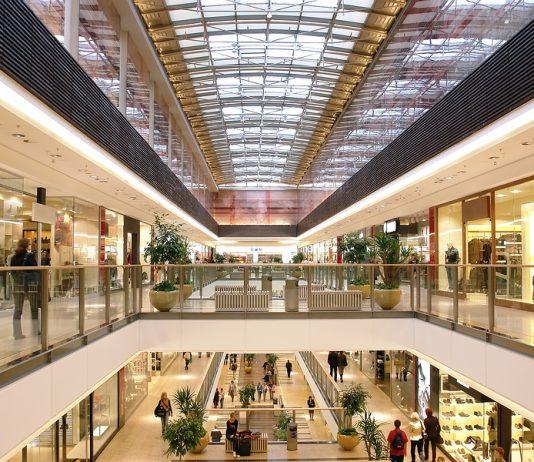 Damit hatte der Einzelhandel nicht gerechnet: Die Geschäfte sind leer.