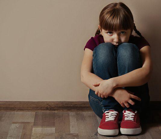 Kein Kind wird jetzt alleine gelassen. Die wichtige Website vom UBSKM klärt auf.