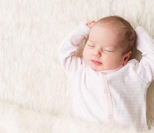 Mit unseren Tipps kannst du dein Baby beim Durchschlafen unterstützen