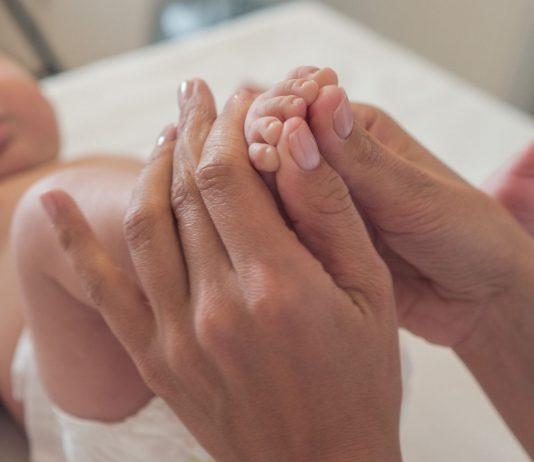 Eine Massage genießen auch schon die Allerkleinsten.
