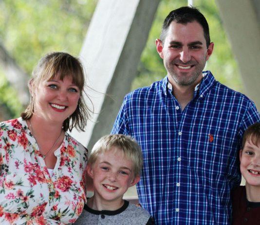 Für Eltern, die ihre Kinder derzeit zu Hause betreuen müssen, soll es finanzielle Unterstützung geben.