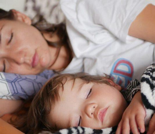 Die Ruhe vor dem Sturm.... gleich ist´s vorbei mit Mamas Schlaf.
