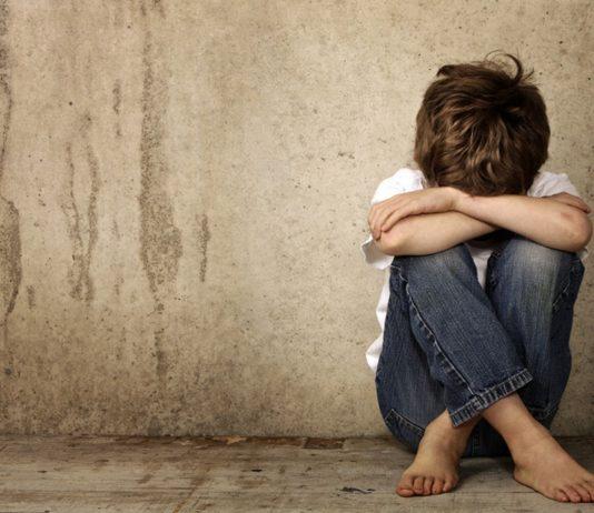 Die Corona-Pandemie trifft viele Kinder schwer, sie leiden beispielsweise unter Gewalt oder mangelnder Ernährung.
