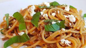 Es gibt verschiedene Pasta Rezepte für Bolognese – dieses wird die ganze Familie lieben.