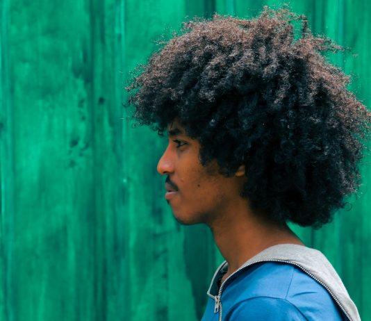 Viele schwarze Jugendliche in Amerika fürchten sich vor Polizeigewalt.