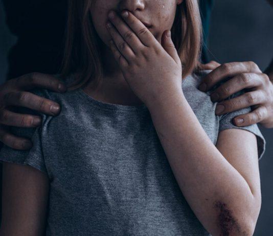 Wir brauchen dringend härtere Strafen für den sexuellen Missbrauch von Kindern.
