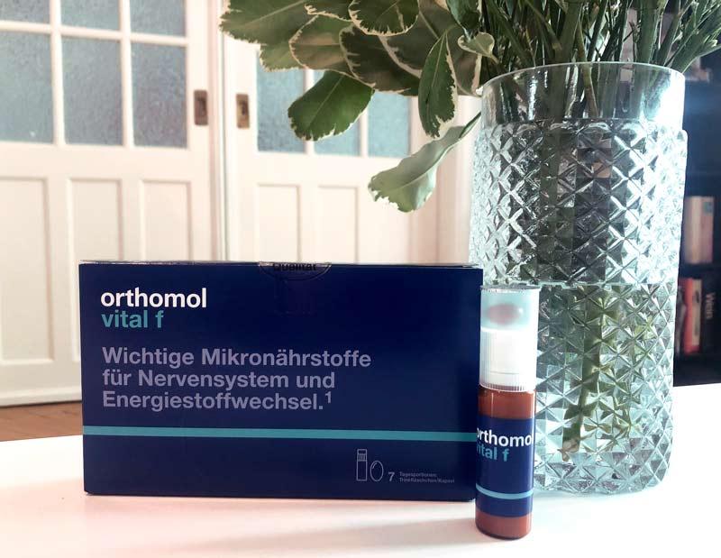 Das Nahrungsergänzungmittel Orthomol Vital f liefert uns in heruasfordernden Zeiten all das, was unser Körper braucht.