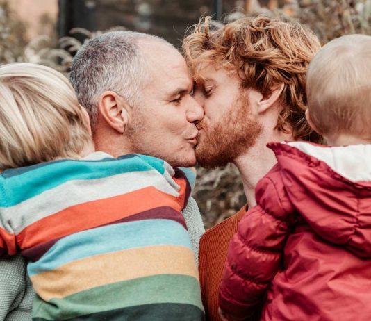 Endlich eine Familie: Papapi und ihre zwei Pflegekinder
