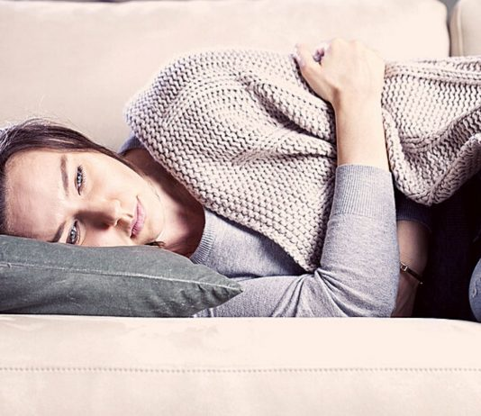 Menstruationsschmerzen können einen komplett außer Gefecht setzen.
