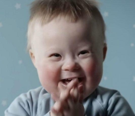 Zum ersten Mal zeigt eine Windelwerbung auch Babys mit Down Syndrom