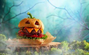 Gruseliger Burger als lustiger Halloween Snack