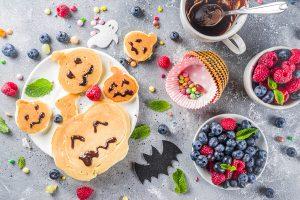 Kürbis-Pancakes als Halloween-Snack