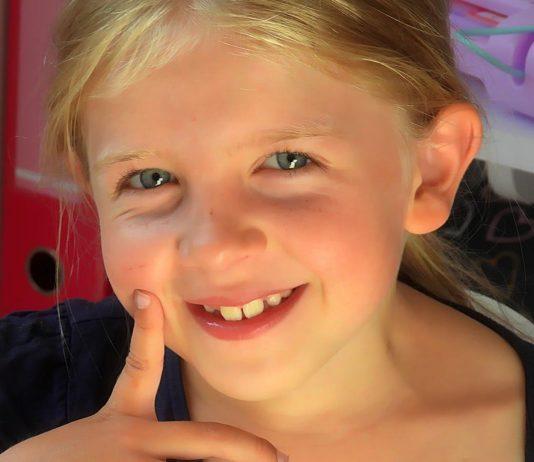 Die 7-jährige Neele ist an einem unhelbaren Hirntumor erkrankt.