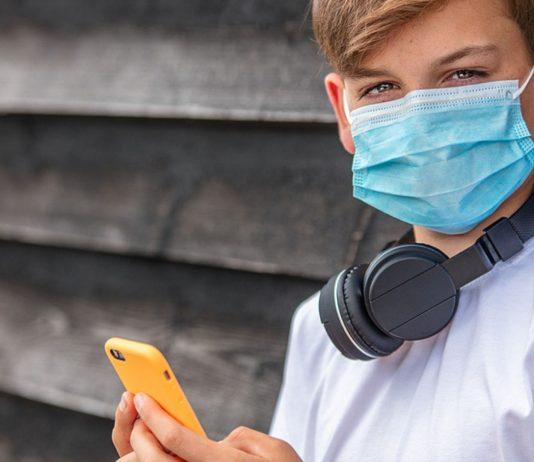 In einem Chat für Kinder werden Corona-Verschwörungsmythen verbreitet