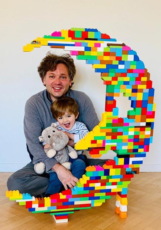 Nach diesem kreativen Bau hatte der Kleine bestimmt süße Träume.