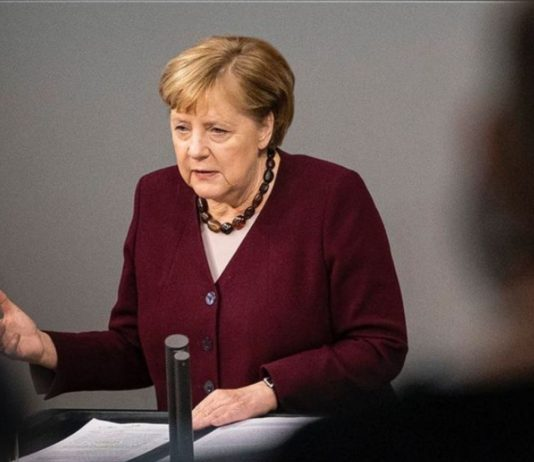 Angela Merkels Aussagen lassen darauf schließen, dass es noch vor Weihnachten einen neuen Corona-Fahrplan geben könnte