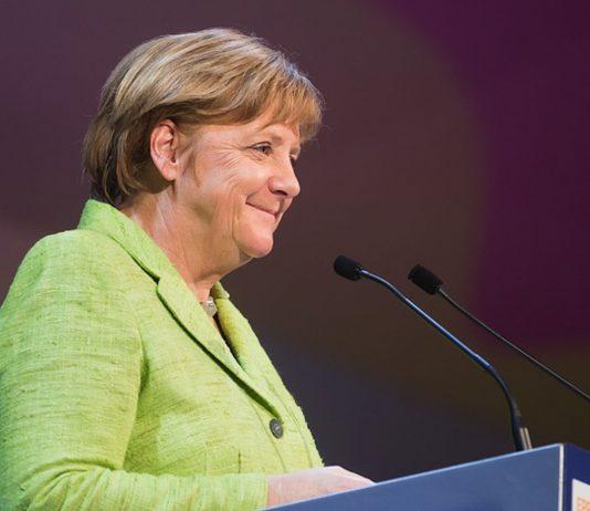 Angela Merkels Tipps gegen die Kälte im dauergelüfteten Klassenzimmer erhitzen die Gemüter.