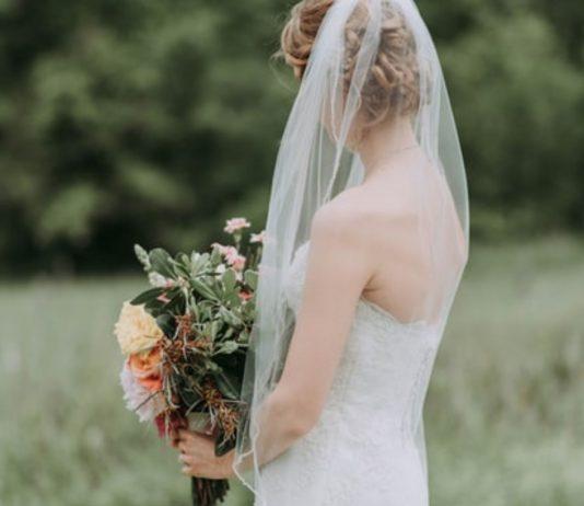 Eine Braut beschwert sich im Netz, dass ihr Partner sein Kind aus einer früheren Beziehung dabeihaben möchte