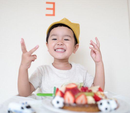 Essen Kindergeburtstag schnelle einfache und gesunde Ideen und Rezepte