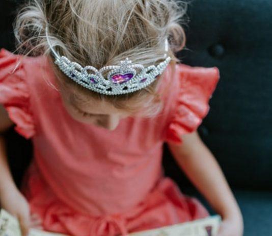 Kinder lieben Märchen! Aber ist deren Weltbild noch zeitgemäß?