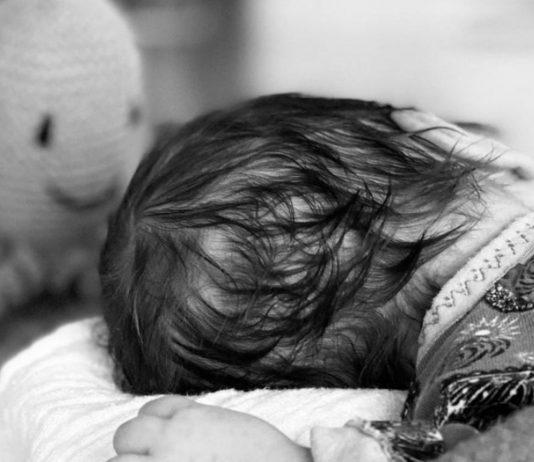 4 Wochen alt ist der kleine Raphael, als seine Mama Samantha dieses Foto von ihm macht.
