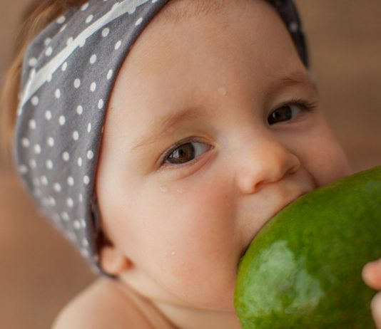 Avocado ist auch für dein Baby gesund.