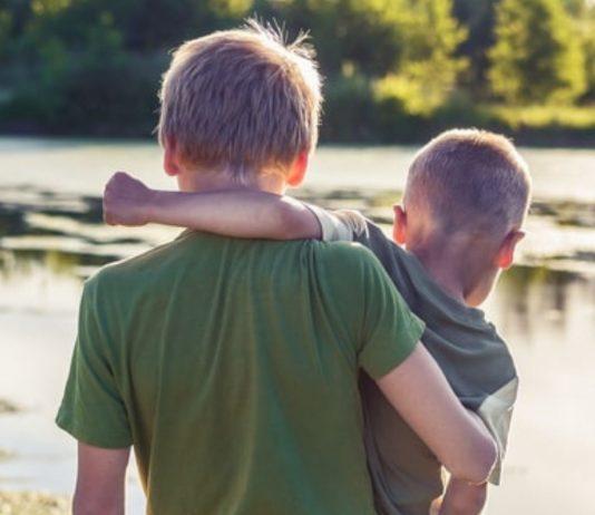 Geschwisterliebe ist etwas ganz Besonderes, aber für Mamas ist es nicht immer leicht, allen Kindern gerecht zu werden.