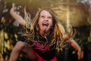 In ihrem Fotoprojekt zeigt Kate T. Parker ausgelassene und verrückte Mädchen-Momente