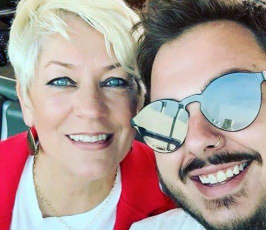 Saras Sohn ist homosexuell, er brachte ihr die LGBTQ-Community näher.