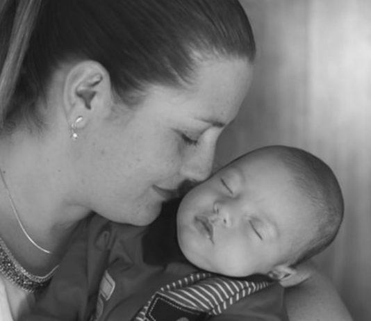 Eine Mama spricht darüber, dass sie ihr drittes Kind beinahe abgetrieben hätte