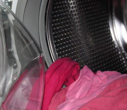 In Neuseeland verstarb ein Kind, nachdem es in einer laufenden Waschmaschine entdeckt wurde