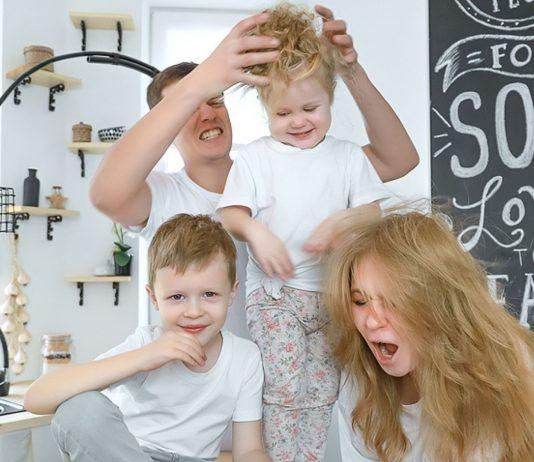 Das Familienleben im Lockdown kann schon mal chaotisch sein.