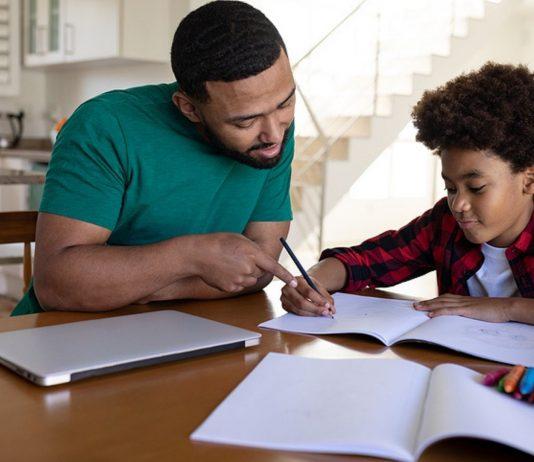 Auch neu: Eltern als Lehrer ihrer Kinder. Foto: Bigstock