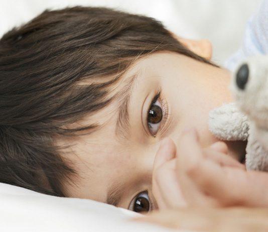 Das PIMS-Syndrom kann eine gravierende Spätfolge einer COVID-Erkrankung bei Kindern sein.