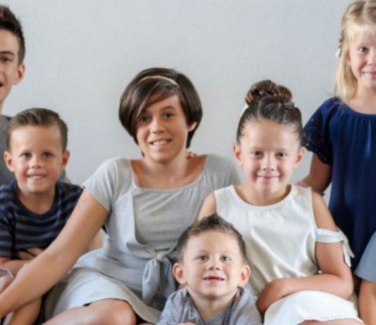 Die Eltern der Kinder starben bei einem schrecklichen Unfall.
