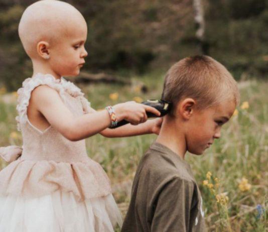 Als Luna ihre Haare wegen der Chemo verliert, darf sie auch ihrem Bruder sie Haare abrasieren.