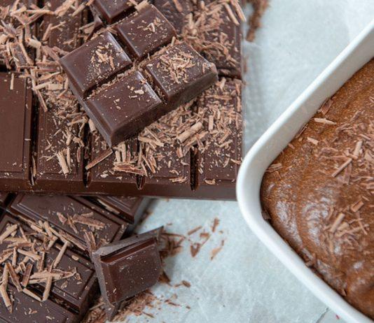 Auf klassisches Mousse au Chocolat solltest du in der Schwangerschaft verzichten.