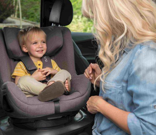 Im Kindersitz TODL next von Nuna kann dein Kind erst rückwärts- und später vorwärtsgerichtet fahren.