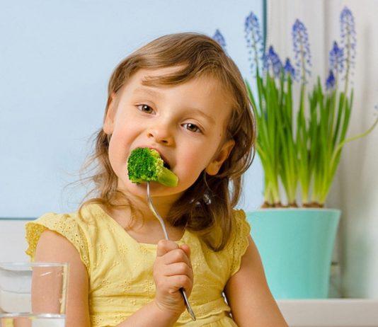 Kind isst kein Gemüse? Eltern sind oft verzweifelt.