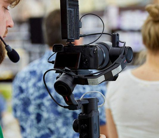 Produktions-Firmen erstellen die TV-Formate.