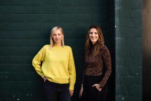 Juliane Schreiber (links) und Sarah Drücker, Co-Founder von Mama Meeting.