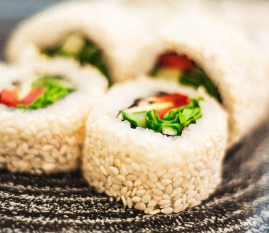 Vegetarisches Sushi kannst du auch in der Schwangerschaft essen.