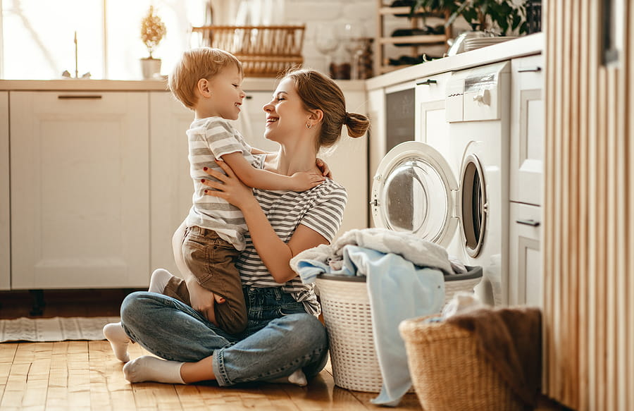 Ringelshirt: Der Handwaschtest entscheidet, ob es in die Bunt- oder Weißwäsche kommt.