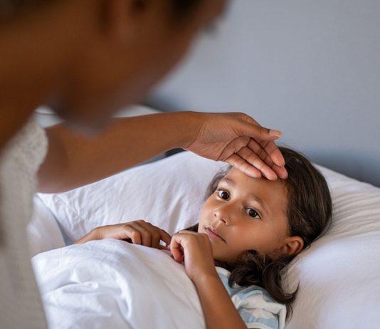 Fieber bei Hitze kann für Kinder gefährlich werden