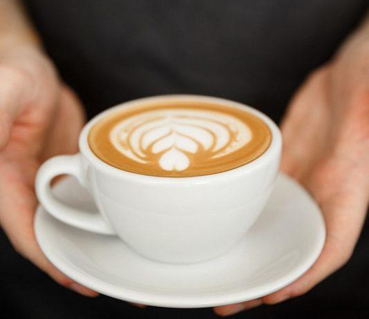 Du darfst Kaffee in der Stillzeit trinken.