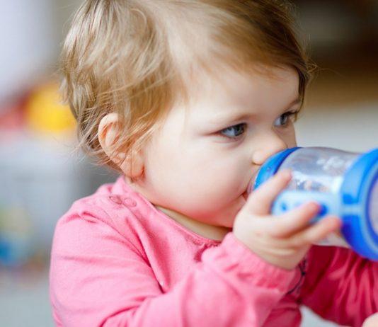 Kuhmilchallergie: Baby und Kleinkind sind besonders häufig betroffen.