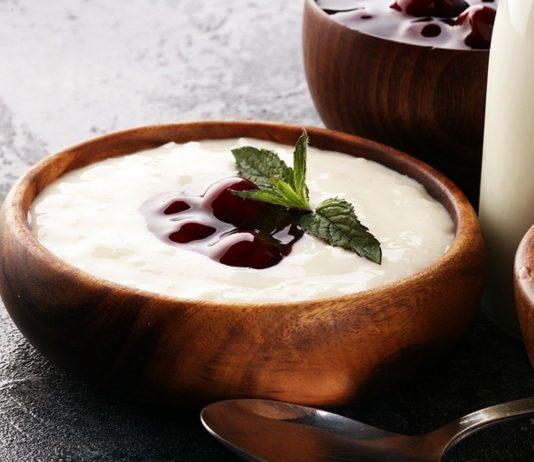 Milchreis fürs Baby ohne Zucker eignet sich ab dem Beikost-Alter als Hauptmahlzeit oder als Snack.