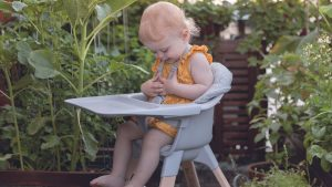 Für den Urlaub Zuhause mit Baby ist der Stokke® Clikk™ das ideale Tool.
